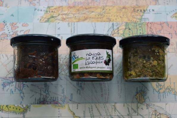 Olive pastes