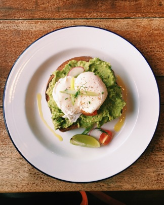 Smashed avo & pouched eggs with lime, dill & chilli